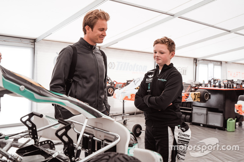 Nico Rosberg dan Taylor Barnard