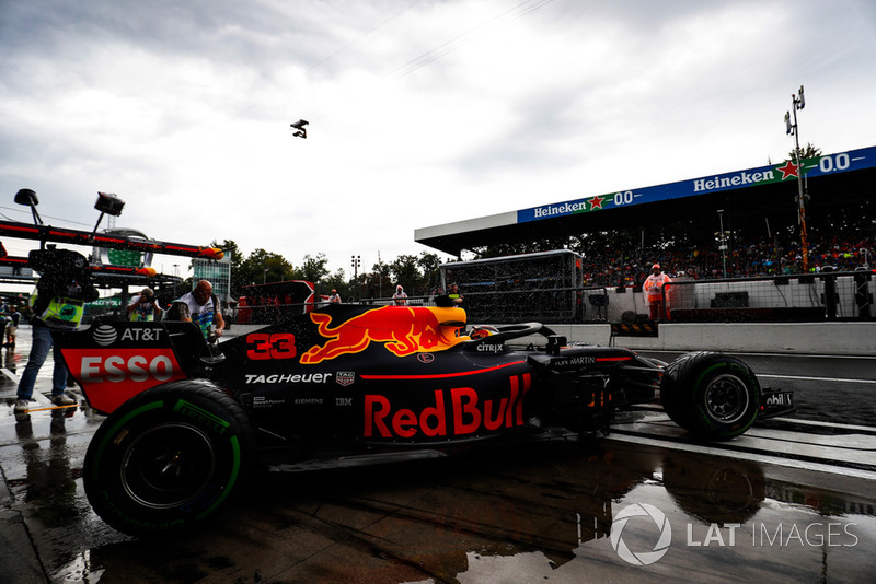 Max Verstappen, Red Bull Racing RB14, leaves the garage