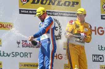 Sam Tordoff, Motorbase Performance Ford Focus y Tom Chilton, Motorbase Performance Ford Focus
