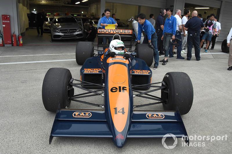 Перед заездом Legends F1 30th Anniversary Lap Demonstration
