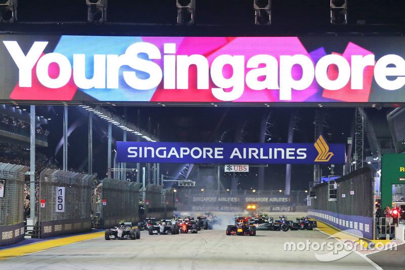 Inicio de la carrera del GP de Singapur 2016