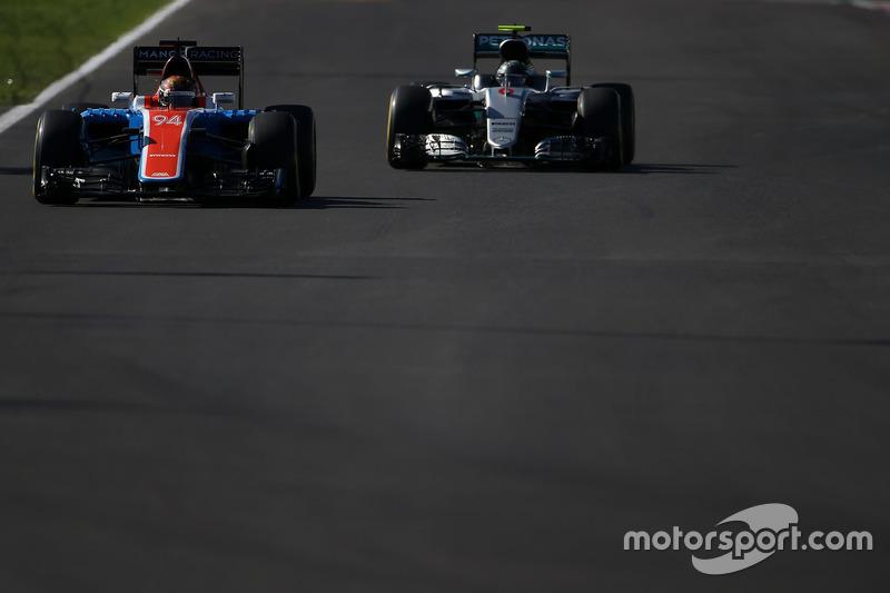 Pascal Wehrlein, Manor Racing MRT05, Nico Rosberg, Mercedes AMG F1 W07 Hybrid