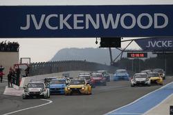 Start action, Rob Huff, Honda Racing Team JAS, Honda Civic WTCC leads