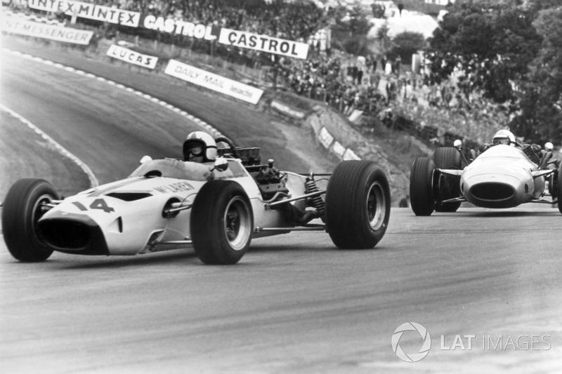 Кроме «Сильверстоуна», Гран При Великобритании принимало еще две трассы – «Эйнтри» и «Брэндс-Хэтч». Также в 1993 году этап Ф1 (Гран При Европы) прошел на британской трассе «Донингтон-Парк»