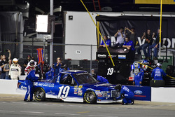 Austin Cindric, Brad Keselowski Racing Ford makes a pit stop