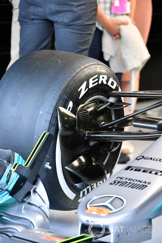 Передня підвіска Mercedes-Benz F1 W08