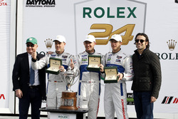 Race winner GTLM, #66 Ford Performance Chip Ganassi Racing Ford GT: Joey Hand, Dirk Müller, Sébastien Bourdais with Dario Franchiiti