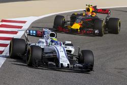 Фелипе Масса, Williams FW40, и Макс Ферстаппен, Red Bull Racing RB13