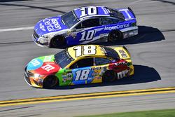 Kyle Busch, Joe Gibbs Racing Toyota, Danica Patrick, Stewart-Haas Racing Ford