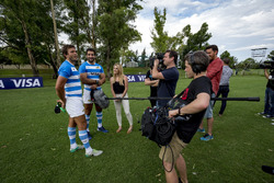 Rugby players Juan Manuel Leguizamón and Juan Martín Hernández with the media
