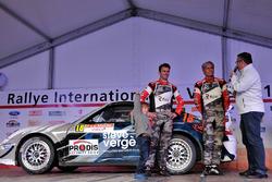 Gabin Dumas, Romain Dumas et Denis Giraudet, Porsche 997 GT3 RS, Porsche Team, podium