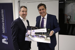 Daan Kersten, CEO of Additive Industries, and Pascal Picci, CEO of Sauber Holding AG
