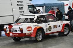 La Fiat 131 Abarth di Alberto Battistolli nel paddock