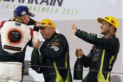 الفائز رقم 98 أستون مارتن ريسينغ فانتاج في8: بول دالا لانا، بيدرو لامي