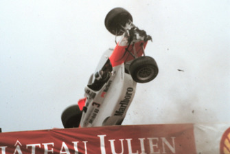 Tödlicher Unfall: Gonzalo Rodriguez, Team Penske, Lola B99/00