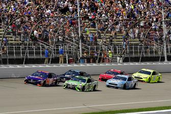 Denny Hamlin, Joe Gibbs Racing, Toyota Camry FedEx Office and Kyle Busch, Joe Gibbs Racing, Toyota Camry Interstate Batteries