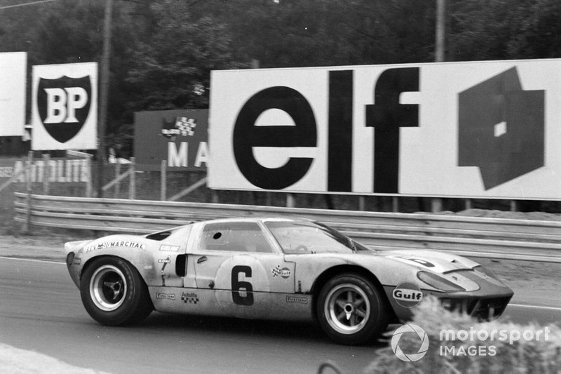 The victorious Ford GT40 of Jacky Ickx, Jackie Oliver, had new brake pads for the final stint. They would prove crucial to the success.