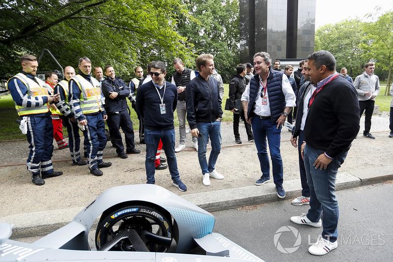 Formula 1 World Champion, Nico Rosberg with Alejandro Agag, CEO, Formula E, the Gen2 Formula E car