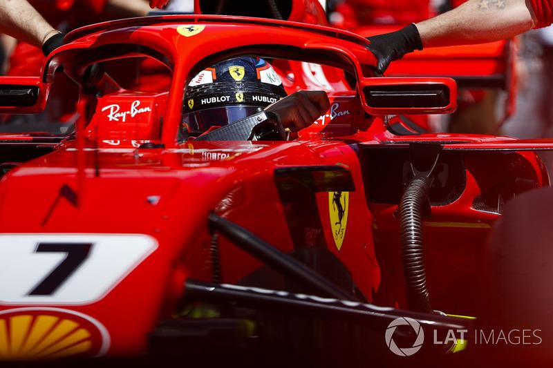 Kimi Raikkonen, Ferrari SF71H, arrive sur la grille