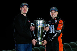 Campeón 2017 Christopher Bell, Kyle Busch Motorsports Toyota, dueño de equipo Kyle Busch