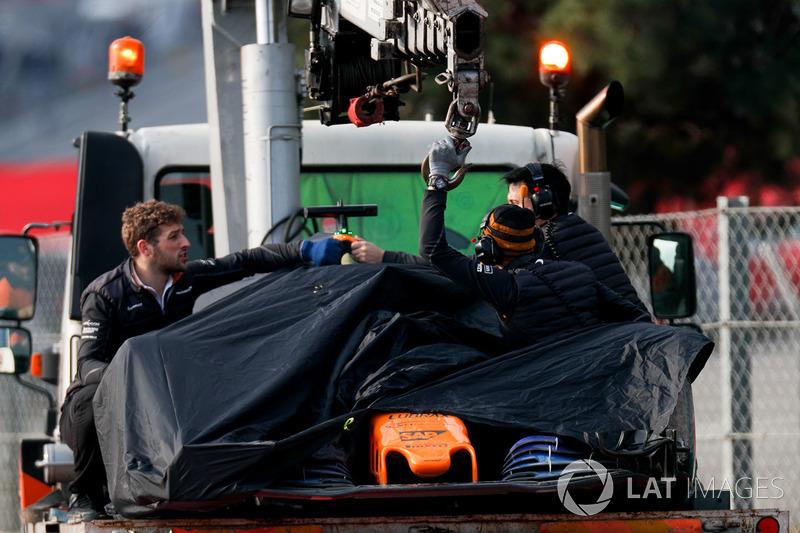 McLaren MCL33 of Fernando Alonso lifted away