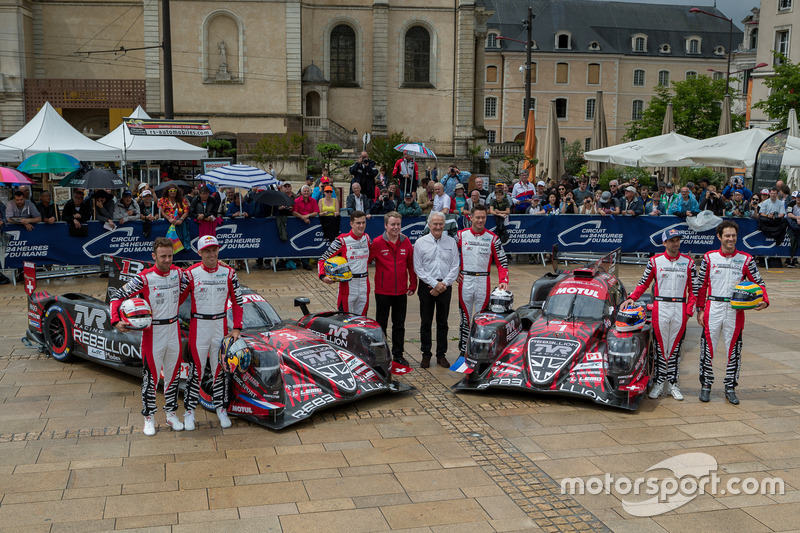#3 Rebellion Racing Rebellion R-13: Mathias Beche, Gustavo Menezes, Thomas Laurent, #1 Rebellion Racing Rebellion R-13: Andre Lotterer, Neel Jani, Bruno Senna