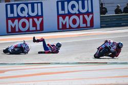 Danilo Petrucci, Pramac Racing, choca con Scott Redding, Pramac Racing