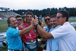 I fotografi di F1, Daniele Amaduzzi, Ercole Colombo, Jean-Francois Galeron, Pat Behar, Jad Sherif e Keith Sutton, confrontano i misuratori di luce