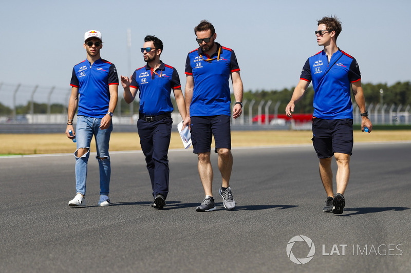 Pierre Gasly, Toro Rosso, mengitari trek