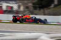 Max Verstappen, Red Bull Racing RB14 spins