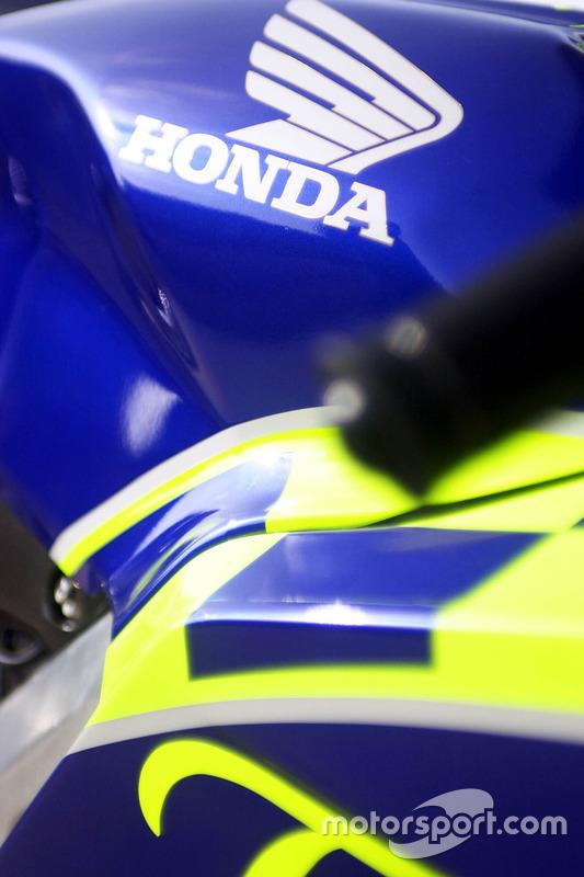 Detail, Honda RC211V