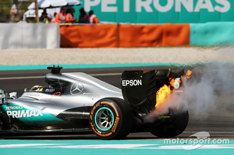 Lewis Hamilton, Mercedes AMG F1 W07 Hybrid retired from the race with a blown engine