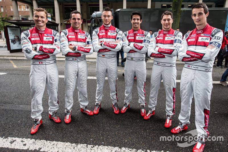 #7 Audi Sport Team Joest Audi R18: Марсель Фасслер, Андре Лоотерер, Бенуа Трелує і #8 Audi Sport Team Joest Audi R18: Лукас ді Грассі, Лоік Дюваль, Олівер Джарвіс