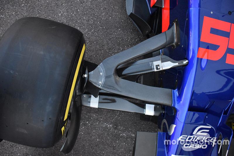 Передняя подвеска Toro Rosso STR12