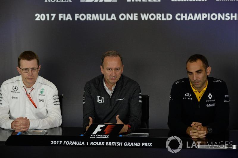 Керівний директор Mercedes AMG Аенді Коуелл, керівний директор McLaren Джонатан Ніл, керівник Renault Sport F1 Сіріль Абітбуль