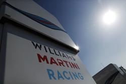 Le logo Williams sur le motorhome