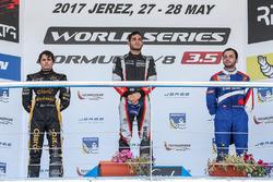 Podium: race winner Roy Nissany, RP Motorsport, second place Pietro Fittipaldi, Lotus, third place M