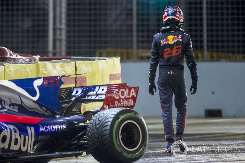Kazalı Daniil Kvyat Scuderia Toro Rosso STR12