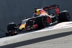 Тесты шин Pirelli 2017 года: Макс Ферстаппен, Red Bull