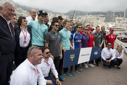 Gruppenfoto: Formel-E-Fahrer in Monaco