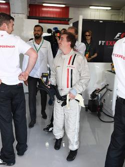 F1 Experiences 2-Seater passenger Frankie Muniz, Actor