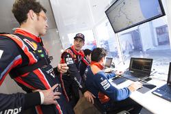 Dani Sordo, Hyundai Motorsport, Thierry Neuville, Hyundai Motorsport