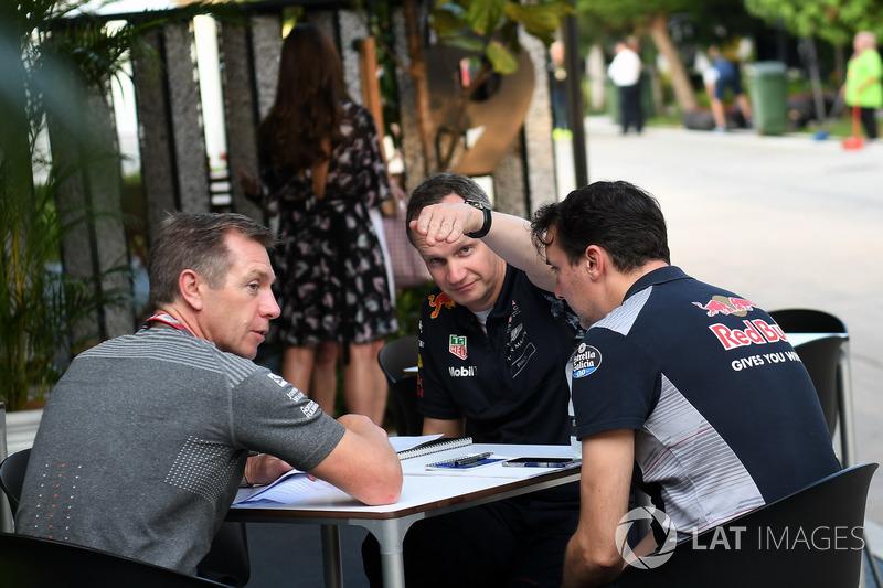 Paul Monaghan, Red Bull Racing Jefe de ingeniería y James Key, Scuderia Toro Rosso Director técnico