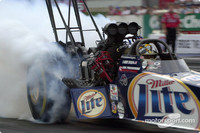 Dixon gets first career Top Fuel title in Las Vegas