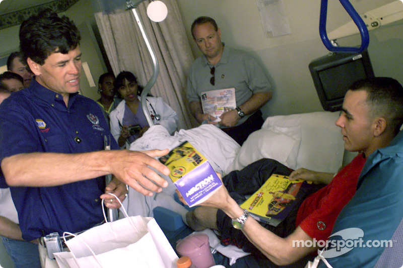 Drivers visit wounded soldiers at Walter Reed