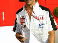 Button aiming for podiums in 2004