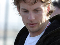 Button wants Schumacher's crown