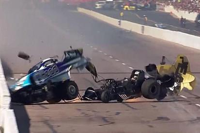 Взрыв и авария с соперником: на гонке дрэгстеров всё пошло не так