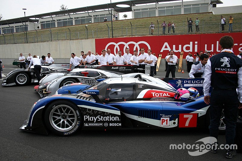 Thrillers in Le Mans 4/5: Peugeot vs Audi in 2011