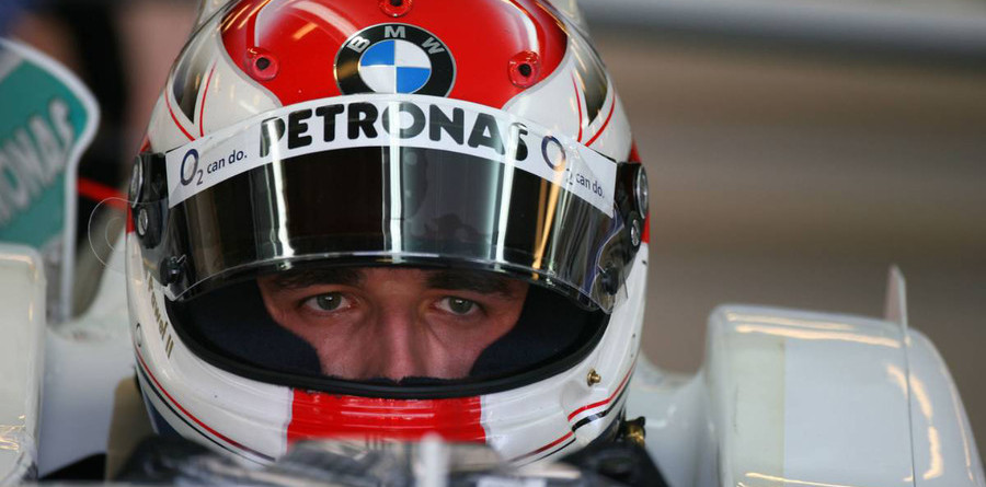 Kubica stays top on French GP Friday